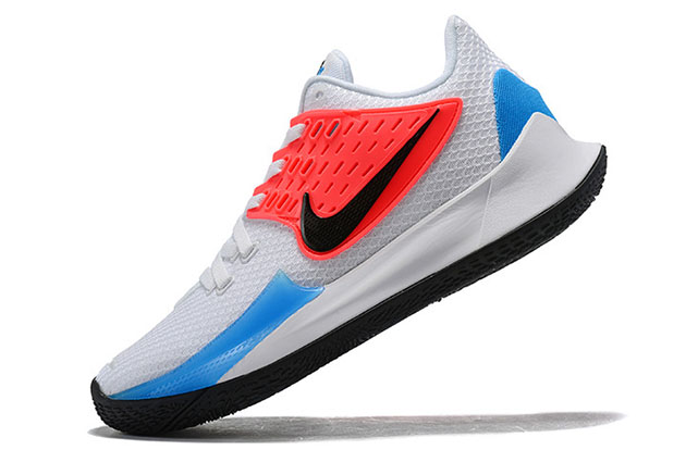 watch 99bc4 cff00 Nike Kyrie Low 2 REVIEW – Better Tech Than In Kyrie 5 ...